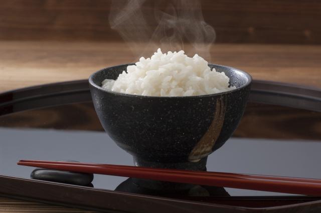 夕食に摂ると痩せない炭水化物であるご飯