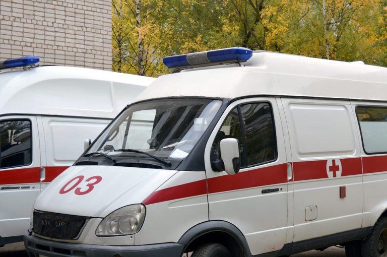 停車している2台の救急車