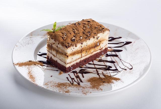 甘くて美味しそうなケーキの画像