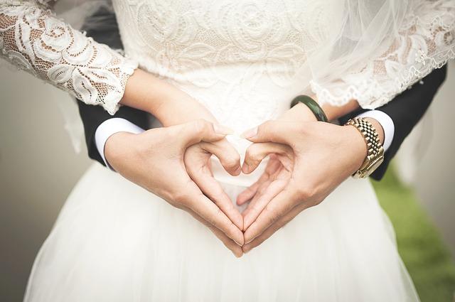 結婚した2人の画像