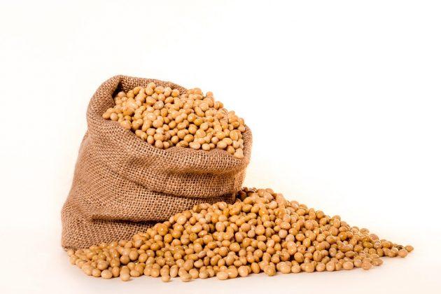 麻袋に入った大豆