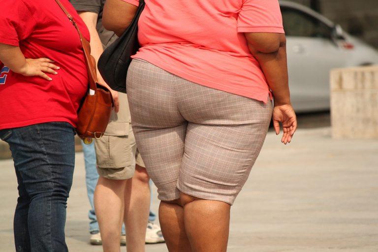 下半身太りの女性