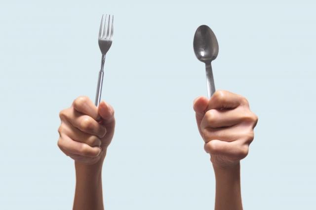 つらい食事制限でダイエット挫折?GLP-1なら自然に食欲を抑える5つの理由!